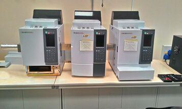 Газохроматографический комплекс для анализа горячего газа акрилового производства.
